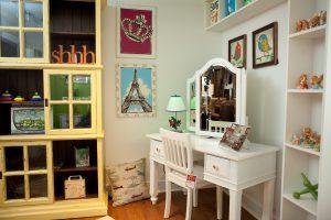 Kids bedroom furniture desk